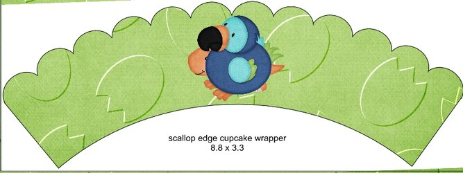 Scalloped Cupcake Wrapper Green5.jpg